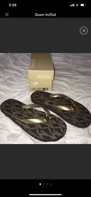 Michael kors flip flops NWT for Sale in Queens, NY