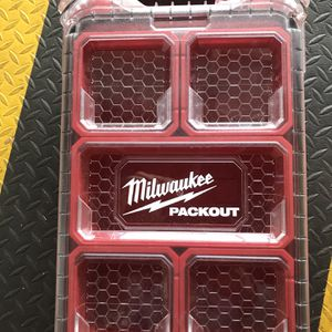 Milwaukee Milwaukee Electric Tool 48-22-8435 Pack out, 5 Compartment, Small Parts Organizer. New for Sale in Glendora, CA