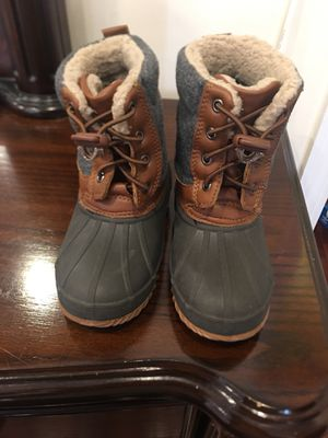 Kids Snow Boots Size L(9/10) for Sale in Queens, NY