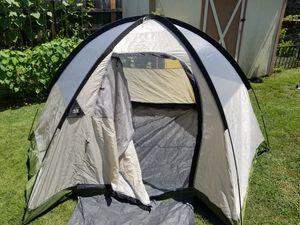 North Pole 4 person tent for Sale in Virginia Beach, VA