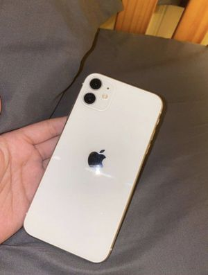 iPhone 11 white for Sale in North Bergen, NJ