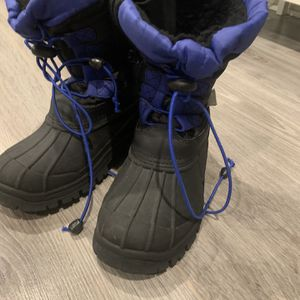 Boys Snow Boots for Sale in Philadelphia, PA