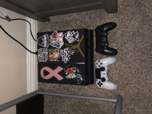Ps4 500gb with 6 games and gaming headset for Sale in Corona, CA