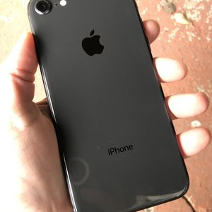 iPhone 8 64GB GSM Unlocked *C Grade Wear On Screen * for Sale in Hollywood, FL