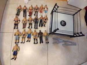 19 wwe wrestlers, 2 ladders, and 1 wwe ring for Sale in Avon Park, FL