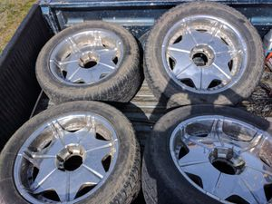 Set of 4 weels and tires for Sale in Monroe, WA