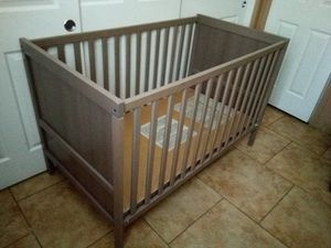 Ikea crib 2 in 1 for Sale in Phoenix, AZ