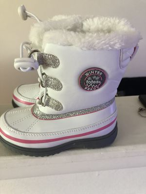 Toddler snow boots for Sale in Lansdale, PA