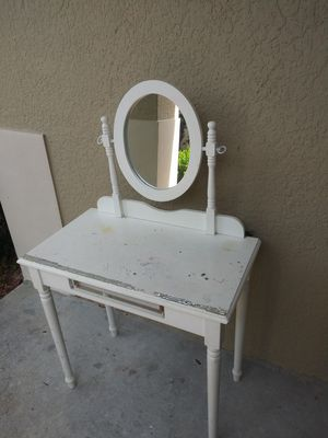 Vanity(FREE)PENDING PICKUP for Sale in Clermont, FL