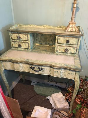 Nice desk with lamp for Sale in Tulsa, OK