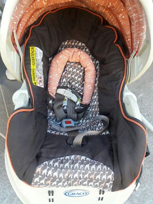 Car seat with base for Sale in Philadelphia, PA