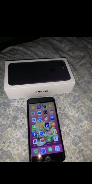 iPhone 7 Plus for Sale in Pine Bluff, AR