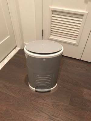 Diaper Pail (Dekor Plus) for Sale in Hoboken, NJ