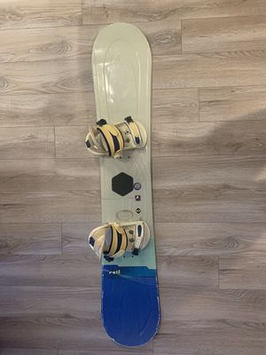 Snowboard with travel bag — 155 cm for Sale in Washington, DC