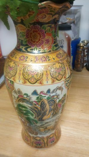 Oriental vase old 50.00 for Sale in Lake Worth, FL