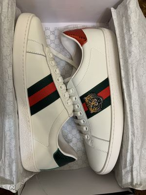 GUCCI TIGER EMBROIDERED SHOES for Sale in Phoenix, AZ