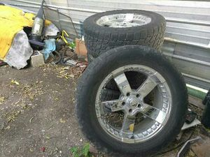 $800 firm price to sale/came off of a Chevy truck/single bolt pattern for Sale in San Antonio, TX