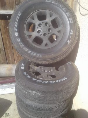 Jeep Cherokee wheels size 265/75/16 for Sale in Fresno, CA