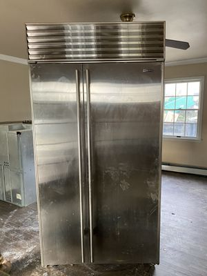 Sub-zer refridgerator and freezer for Sale in Manasquan, NJ