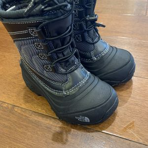 Snow Boots Toddler Size 10 The North Face for Sale in Buena Park, CA