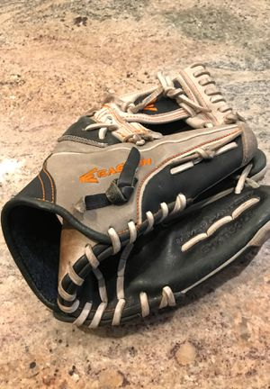 Baseball glove for Sale in Sammamish, WA
