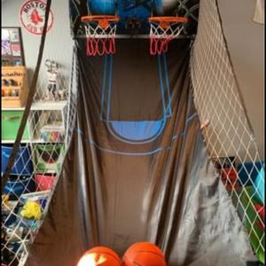2 Player Basketball Hoop for Sale in Jackson Township, NJ