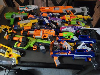 Nerf Bundle for Sale in Lakewood,  CA