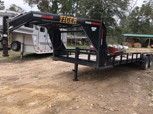 2017, 24 ft gooseneck trailer like new. Slide out ramps for Sale in Hockley, TX