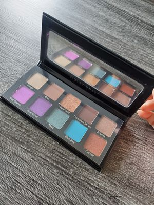 Essential 2 Eyeshadow Palette - Violet Voss Cosmetics for Sale in Seattle, WA