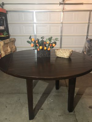 Round Folding dining table for Sale in San Diego, CA