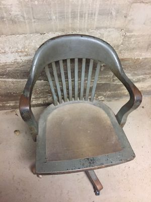 Vintage desk chair for Sale in Baltimore, MD