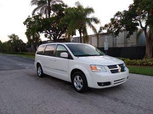 Dodge Grand caravan 2009 for Sale in Miami, FL
