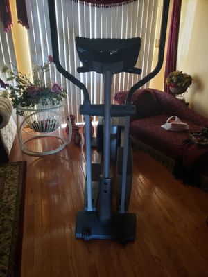 NordicTrack Elliptical Machine for Sale in Hickory Hills, IL