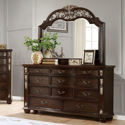 TRADITIONAL STYLE BROWN CHERRY FINISH DRESSER - MIRROR NOT INCLUDED - TOCADOR for Sale in Pico Rivera,  CA