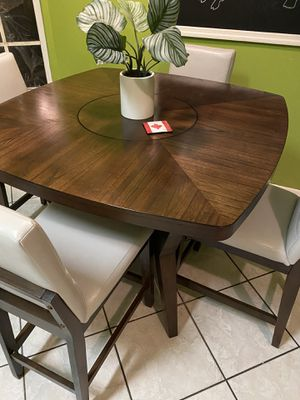 Real wood kitchen table for Sale in Riverview, FL