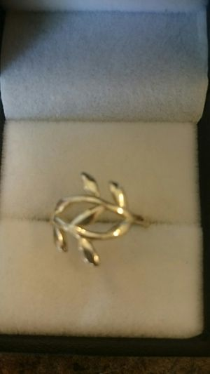 Sterling silver Leaf Design ring sz 6 for Sale in Kent, WA