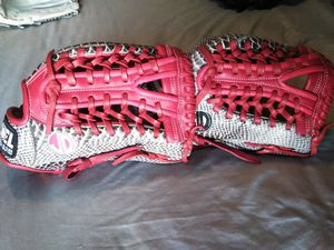 Softball custom gloves for Sale in Downey, CA