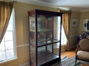 Curio Cabinet for Sale in West Windsor Township, NJ