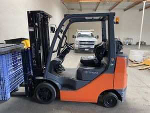 Toyota Forklift 8FGCU25 Like new 1515 hrs. Has been on factory service plan since new for Sale in Corona, CA