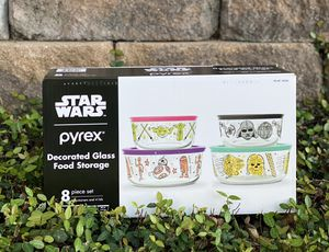 Pyrex Star Wars Set 8 piece set New 💜 for Sale in Spring, TX