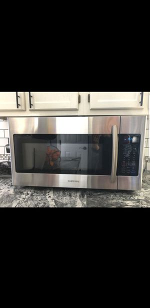 SAMSUNG MICROWAVE OVEN (ALMOST NEW). for Sale in Chapel Hill, NC