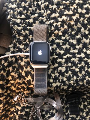 Apple Watch series 4 40mm for Sale in Houston, TX