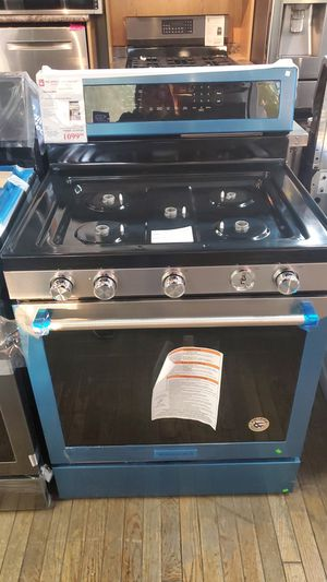 """New Kitchen Aid Freestanding Gas Range in stainless steel 30""""w for Sale in Pico Rivera, CA"""