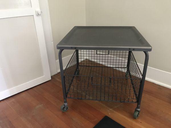 Metal table cart
