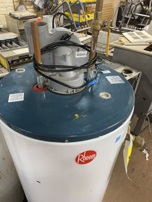 Power vent 50 gallon rheem hot water heater gas for Sale in Euclid, OH