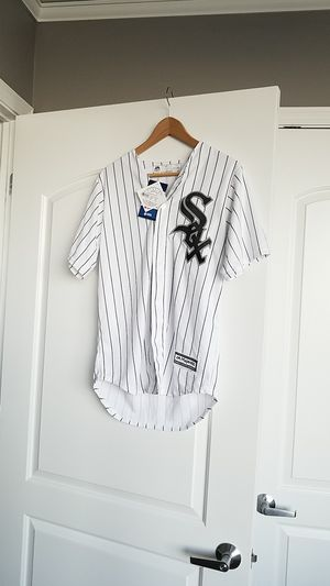 Womens MLB Whitesox Jersey for Sale in Chicago, IL