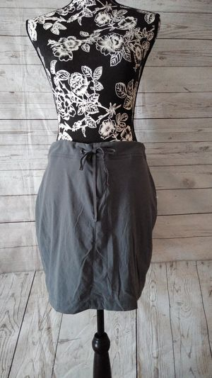 Beautiful Columbia Skirt , women's size 10 ( excellent condition ) for Sale in Frederick, MD