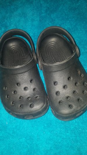 Baby crocs size 6/7 for Sale in Kent, WA