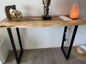Wooden decorative table for Sale in North Miami, FL