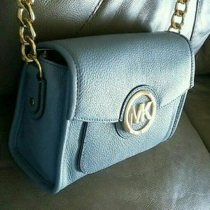 NEW Michael Kors Margo Small Messenger Crossbody Bag for Sale in Portland, OR